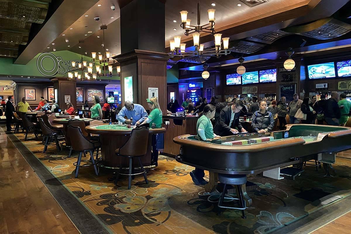 Menggunakan Strategi Untuk Menang Game Poker Online -